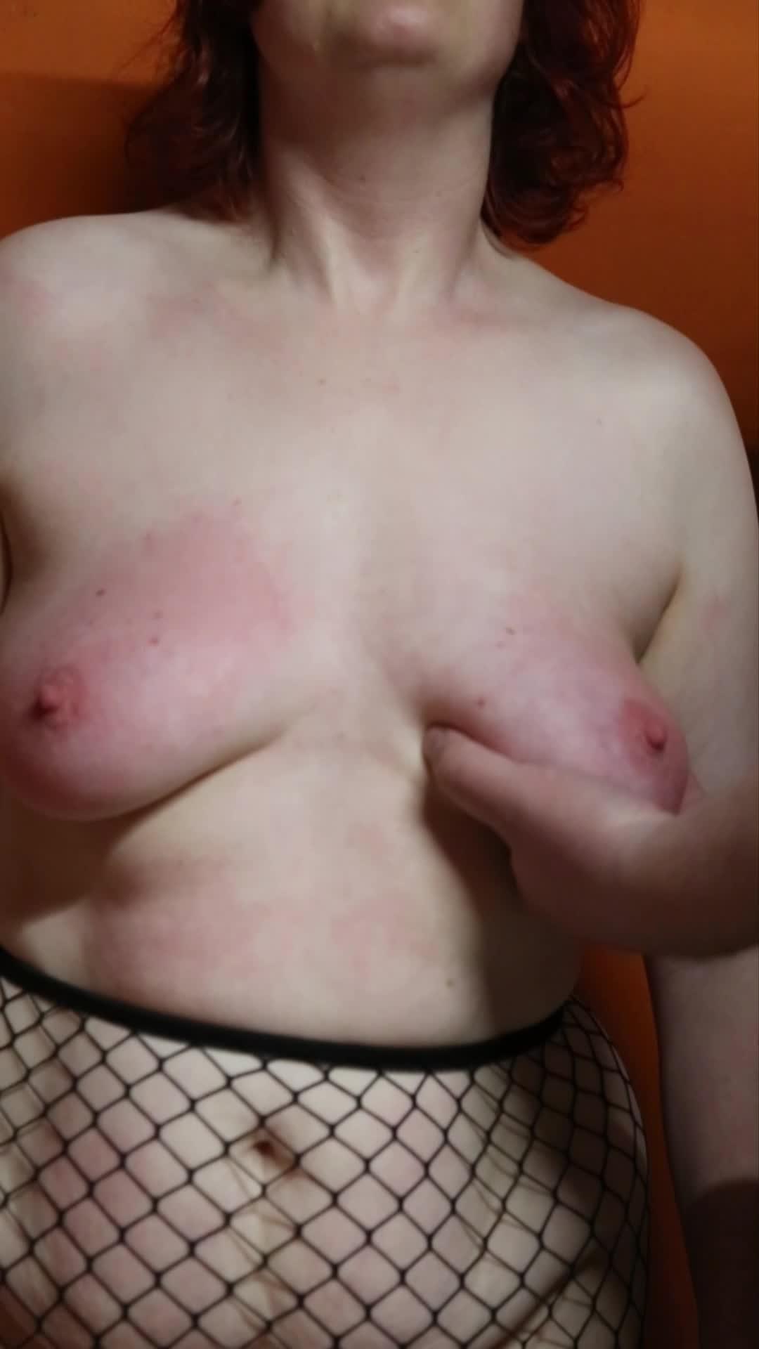 Titten Boxen - Shortclip Tit Punching